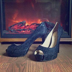 Lightly worn Guess heels